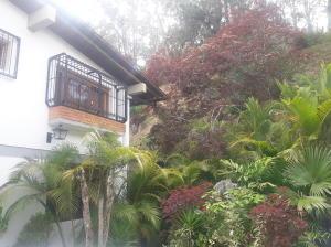 Casa En Ventaen Caracas, Los Naranjos Del Cafetal, Venezuela, VE RAH: 19-13386