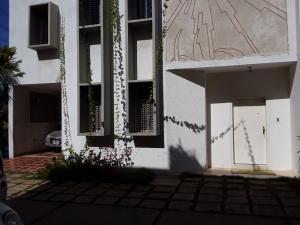 Apartamento En Alquileren Maracaibo, Avenida Delicias Norte, Venezuela, VE RAH: 19-13592