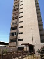 Apartamento En Ventaen Maracaibo, Las Delicias, Venezuela, VE RAH: 19-13413