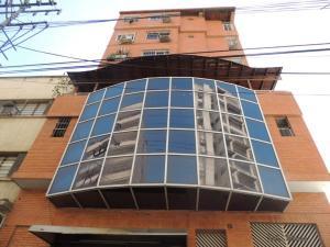 Apartamento En Ventaen Maracay, Zona Centro, Venezuela, VE RAH: 19-13454