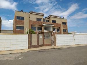 Apartamento En Ventaen Maracaibo, Monte Bello, Venezuela, VE RAH: 19-13435