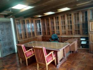 Oficina En Ventaen Caracas, Parroquia Altagracia, Venezuela, VE RAH: 19-13553