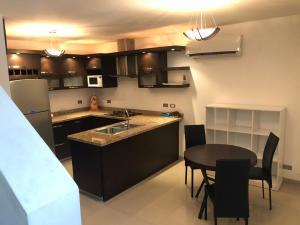 Apartamento En Alquileren Ciudad Ojeda, Cristobal Colon, Venezuela, VE RAH: 19-13577