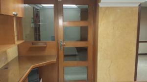 Oficina En Ventaen Maracaibo, Santa Rita, Venezuela, VE RAH: 19-13609