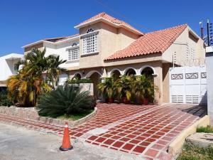 Casa En Ventaen Maracaibo, Monte Bello, Venezuela, VE RAH: 19-13626