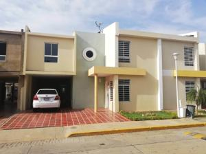 Townhouse En Ventaen Maracaibo, Monte Bello, Venezuela, VE RAH: 19-13657