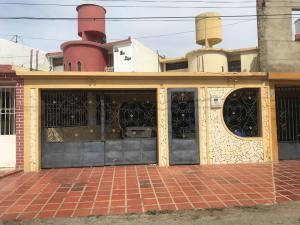 Casa En Ventaen Punto Fijo, Puerta Maraven, Venezuela, VE RAH: 19-13710
