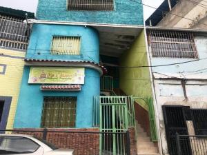 Local Comercial En Ventaen Caracas, Catia, Venezuela, VE RAH: 19-13743