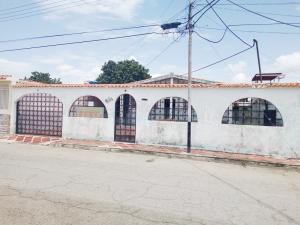 Casa En Ventaen Guacara, Ciudad Alianza, Venezuela, VE RAH: 19-13871
