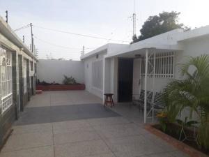 Casa En Alquileren Maracaibo, La Floresta, Venezuela, VE RAH: 19-13877