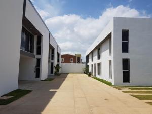 Apartamento En Ventaen Coro, Sector La Floresta, Venezuela, VE RAH: 19-13879