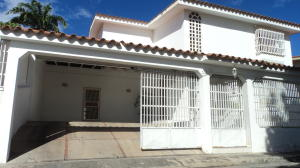 Casa En Ventaen Barquisimeto, Parroquia Santa Rosa, Venezuela, VE RAH: 19-13995