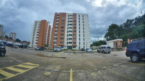 Apartamento En Ventaen Municipio Naguanagua, El Rincon, Venezuela, VE RAH: 19-13998