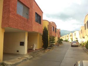 Townhouse En Ventaen Municipio Naguanagua, La Entrada, Venezuela, VE RAH: 19-14028