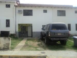 Townhouse En Ventaen Cua, Quebrada De Cua, Venezuela, VE RAH: 19-14007