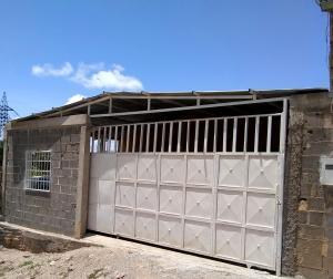 Casa En Ventaen Barquisimeto, Parroquia Santa Rosa, Venezuela, VE RAH: 19-14092