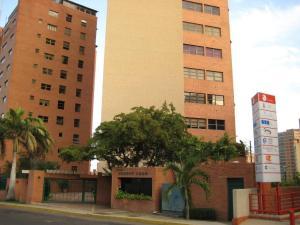 Apartamento En Ventaen Maracaibo, Avenida El Milagro, Venezuela, VE RAH: 19-14104