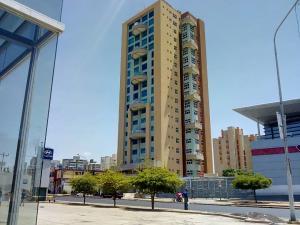 Apartamento En Ventaen Maracaibo, Avenida Bella Vista, Venezuela, VE RAH: 19-14120