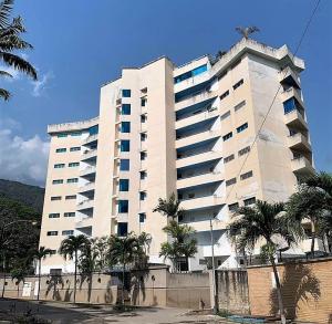 Apartamento En Alquileren Parroquia Caraballeda, Caribe, Venezuela, VE RAH: 19-14154