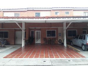 Townhouse En Ventaen Municipio San Diego, Sabana Del Medio, Venezuela, VE RAH: 19-14188