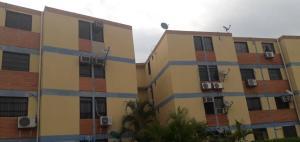 Apartamento En Ventaen Municipio Los Guayos, Paraparal, Venezuela, VE RAH: 19-15683