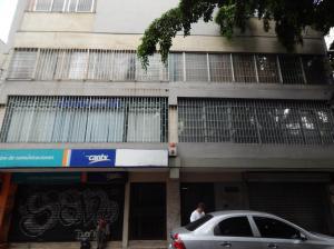 Apartamento En Ventaen Caracas, Parroquia La Candelaria, Venezuela, VE RAH: 19-14219