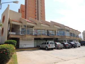 Local Comercial En Alquileren Maracaibo, Avenida Universidad, Venezuela, VE RAH: 19-14224