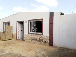 Casa En Ventaen Coro, Intercomunal Coro La Vela, Venezuela, VE RAH: 19-14278