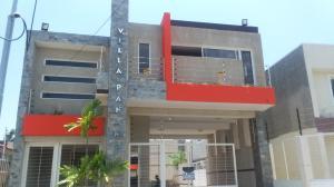 Townhouse En Ventaen Ciudad Ojeda, La N, Venezuela, VE RAH: 19-14693