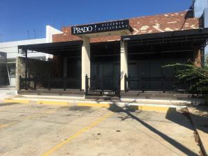 Local Comercial En Ventaen Punto Fijo, Los Caciques, Venezuela, VE RAH: 19-14388
