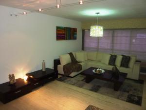 Apartamento En Ventaen Caracas, Bello Monte, Venezuela, VE RAH: 19-14532