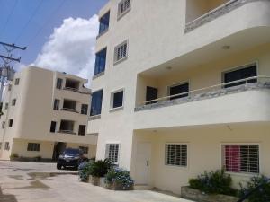 Apartamento En Ventaen Maracay, El Limon, Venezuela, VE RAH: 19-14492
