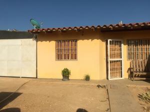 Casa En Ventaen Punto Fijo, Puerta Maraven, Venezuela, VE RAH: 19-14534