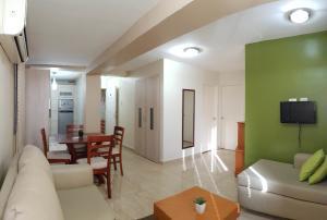 Apartamento En Ventaen Coro, Sector La Floresta, Venezuela, VE RAH: 19-14548