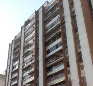 Apartamento En Ventaen Caracas, Parroquia Santa Rosalia, Venezuela, VE RAH: 19-14586