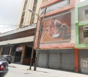 Edificio En Ventaen Maracay, Zona Centro, Venezuela, VE RAH: 19-14588