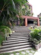 Apartamento En Ventaen Caracas, Colinas De Valle Arriba, Venezuela, VE RAH: 19-14958