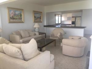 Apartamento En Ventaen Maracaibo, El Milagro, Venezuela, VE RAH: 19-14604