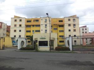 Apartamento En Ventaen Municipio Los Guayos, Paraparal, Venezuela, VE RAH: 19-14714