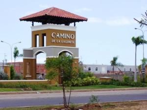 Townhouse En Ventaen Maracaibo, Via La Concepcion, Venezuela, VE RAH: 19-14710