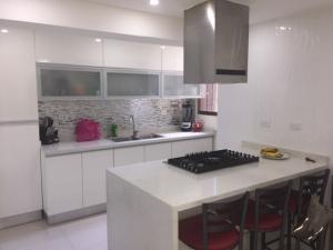 Apartamento En Ventaen Caracas, Colinas De Bello Monte, Venezuela, VE RAH: 19-14822