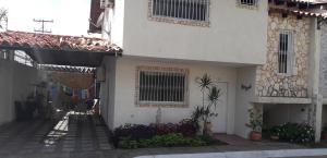 Townhouse En Ventaen Ciudad Bolivar, Paseo Heres, Venezuela, VE RAH: 19-14933
