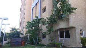 Apartamento En Alquileren Maracaibo, Avenida Bella Vista, Venezuela, VE RAH: 19-14865