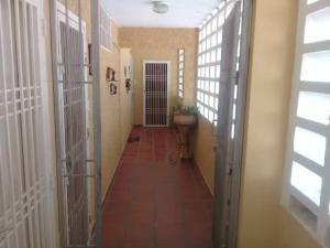 Apartamento En Ventaen Maracaibo, Circunvalacion Dos, Venezuela, VE RAH: 19-15157