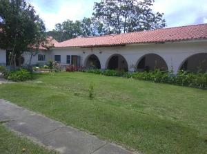 Casa En Ventaen El Junquito-Vargas, El Junko Country Club, Venezuela, VE RAH: 19-14878