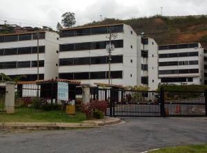 Apartamento En Ventaen Los Teques, El Solar De La Quinta, Venezuela, VE RAH: 19-14893
