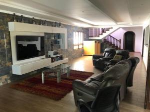 Casa En Ventaen Caracas, El Marques, Venezuela, VE RAH: 19-15239