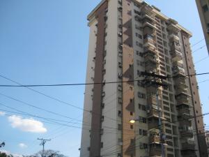 Apartamento En Ventaen Maracay, Urbanizacion El Centro, Venezuela, VE RAH: 19-14952
