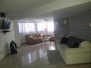 Apartamento En Alquileren Maracaibo, Calle 72, Venezuela, VE RAH: 19-15078
