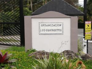 Terreno En Ventaen Caracas, Los Guayabitos, Venezuela, VE RAH: 20-10837